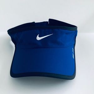 Nike Adult featherlight dri-fit visor NWOT